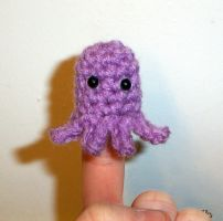Squid Finger Puppet by happysquidmuffin