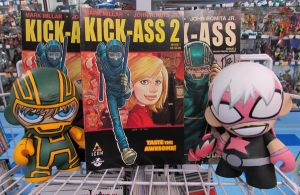 Munny Kick-Ass n Hawt Girl by KidNotorious