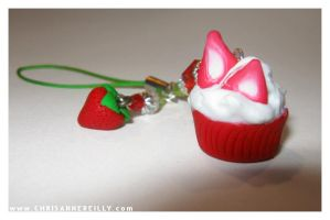 Glittery strawberry cupcake by magur