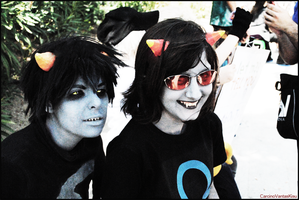 KARKAT and T3R3Z1 @HOMESTUCK by CarcinoVantasKisu