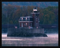 as the sun rises on the Hudson by cove314