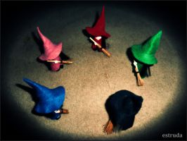 Five Witches Sweeping by Estruda