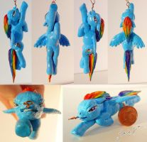 Rainbow Dash Pendant by GosieXvelLipa