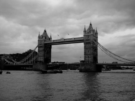 The Tower Bridge by Unsraw-fan