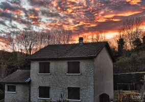 House and red sky by J222R
