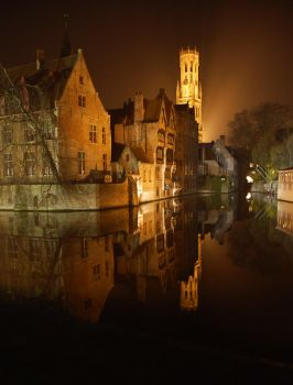 Bruges at Night by essies