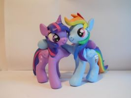 Twilight Sparkle and Rainbow Dash by EarthenPony