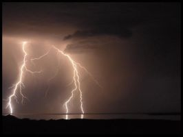 Lightning over the lake by pimphand