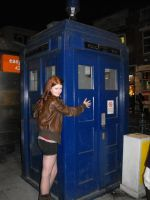 Amy loves the TARDIS by LisaMarieCosplay