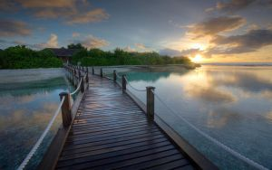 Maldives - Sunrise by hazmee