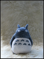 :: totoro :: by LaughingSquid