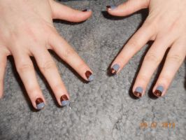 Grey and copper nails by Agathanaomi