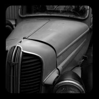 Old Car by DubriZona