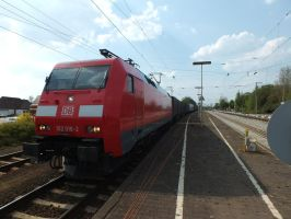 152 016 with hupac train by damenster