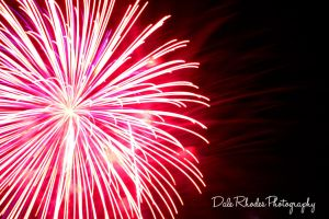 Fireworks 102 by DalePhotography