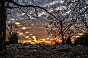 Graveyard Sun Down by creeperdude