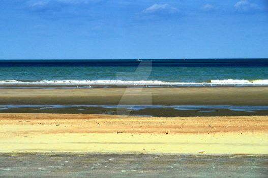 The beach simple with layers of colors by UnePhotographie