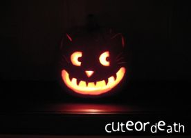 Cheshire Cat Pumpkin by cuteordeath