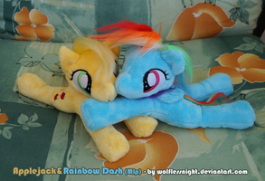 Applejack and Rainbow Dash Beanie Plush by Wolflessnight
