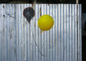 Yellow Balloon by unflinching