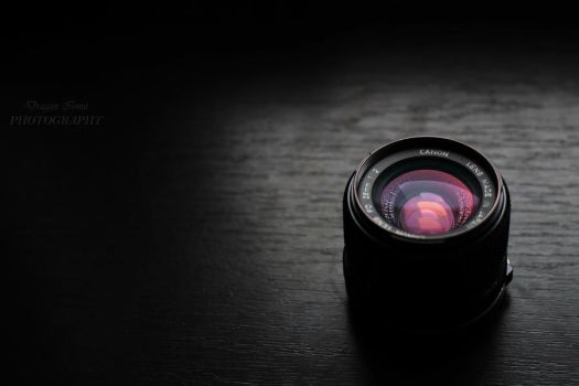 Canon 28mm lens by cell8