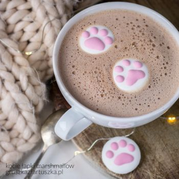 cute cat paws marshmallow 3 by Pokakulka