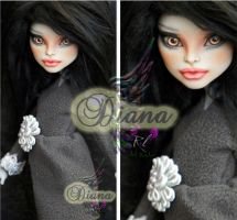 MH Cam repaint #2 ~Diana~ by RogueLively