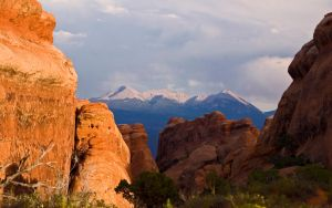 Manti-La Sal Peaks from Arches by elektronika7