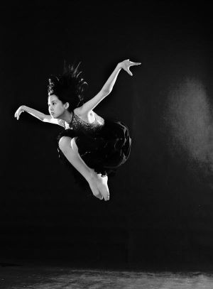poses - Page 2 ___ballet_jumping____by_Dinacecillia