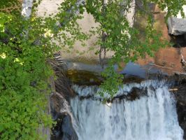Waterfall off to the side by toxicsoil