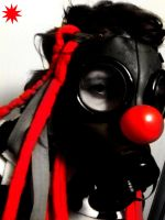 Masque a gaz et nez de clown by trash-test