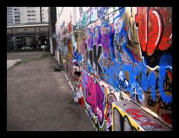 Graffiti in Paris by wrenchy