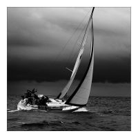 Yacht before the storm by klaic