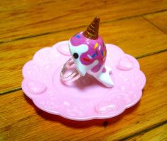 Lil vanilla narwhal ring by SprinkleChick