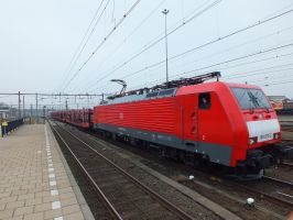 DB 189 075 with empty pon train by damenster