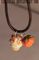 Candy Corn Cupcake Necklace by heysugar