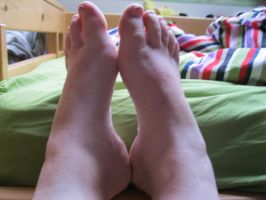 the feet in the morning by Marl1nde