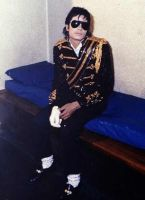 -^^-michael-jackson-^^- by countrygirl16mj