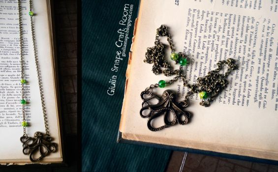 Cthulhu necklace by GiuliaSnape
