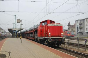 0469 005-6 with a goods train in Gyor on 2011 by morpheus880223
