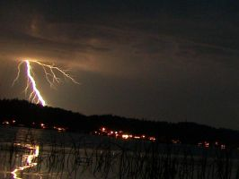 Lightning in the Pacific Northwest by pokemontrainerjay