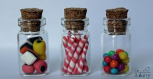 Miniature bottles with sweets by EmisBakery