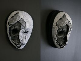 New mask - 'Half Skull' by torvenius
