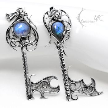 GONTHARN and ETHARN, key pendants. by LUNARIEEN