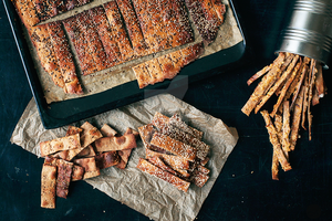 Rye crackers with seeds by spondii