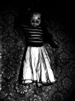 Am I not a horror doll? by aperfectissue