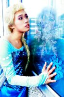 No escape from the storm inside of me - Frozen by pisces219320