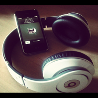 Beats by Dr. Dre Monster and iPhone 4 by ReyMugen