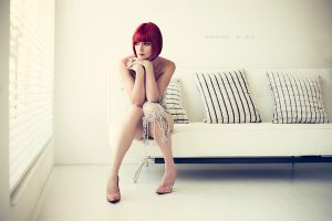 WHITEroom VI by fionafoto