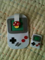 Gameboy Mobile Case + Brooch by anapeig